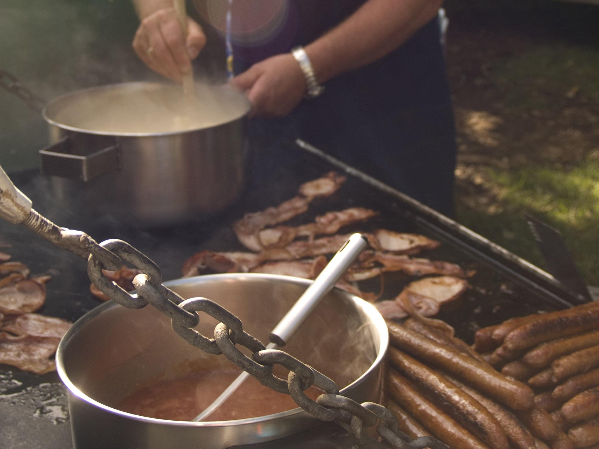 Cliff Top BBQ Breakfast (Pinetree Tours) Ls