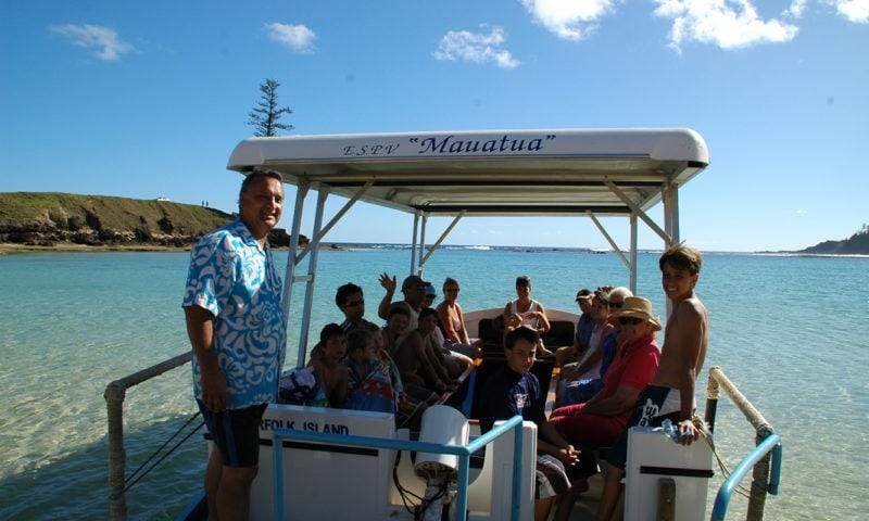 Glaas Bohtom Boets (Christian's) Norfolk Island3