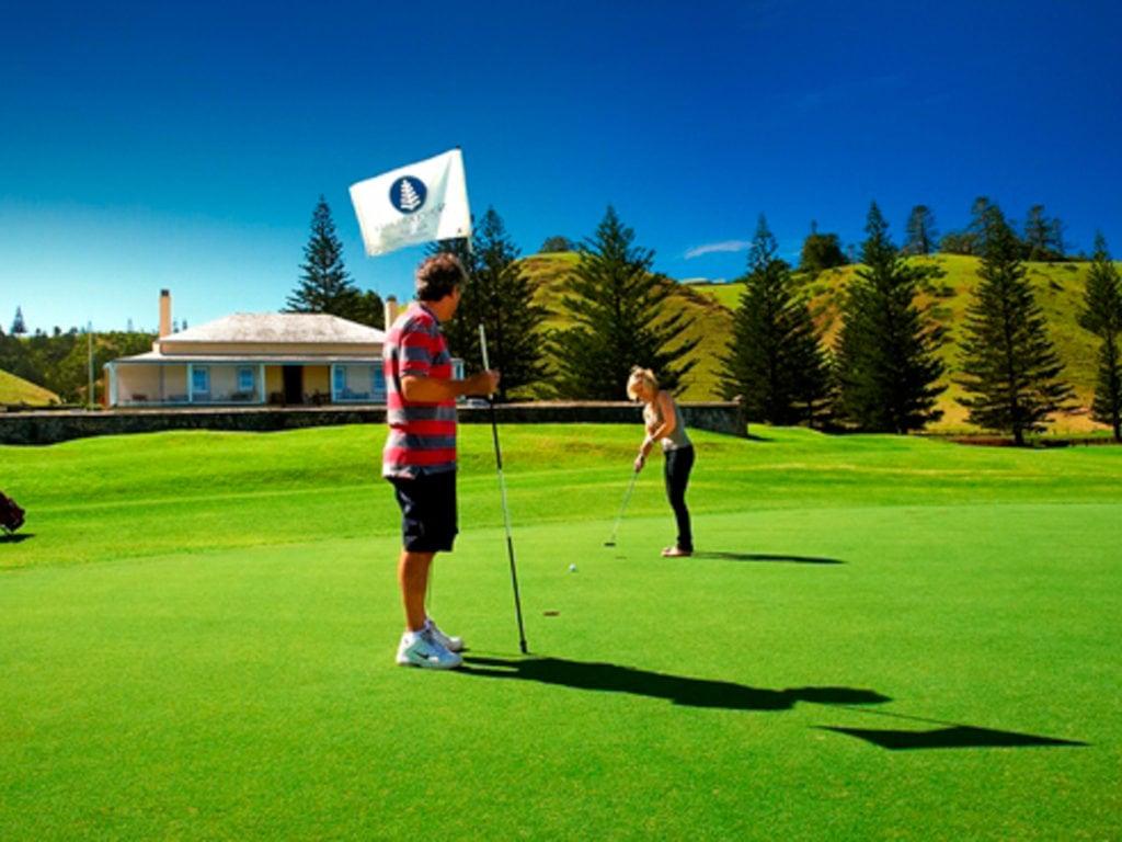 Norfolk Island Travel Centre Golf Putt