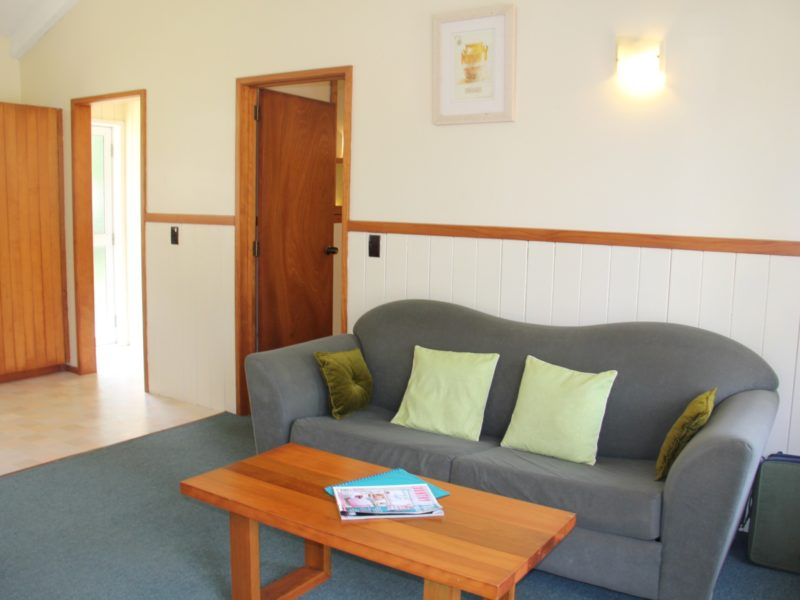 Norfolk Island Travel Centre Saints Deal Couch