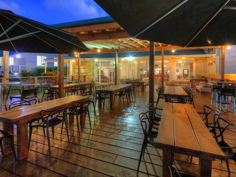 Restaurant Deck Castaway Hotel Norfolk Island