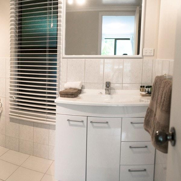 Horizon Bathroom (1)