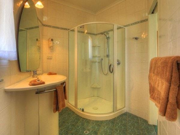 OB Shower